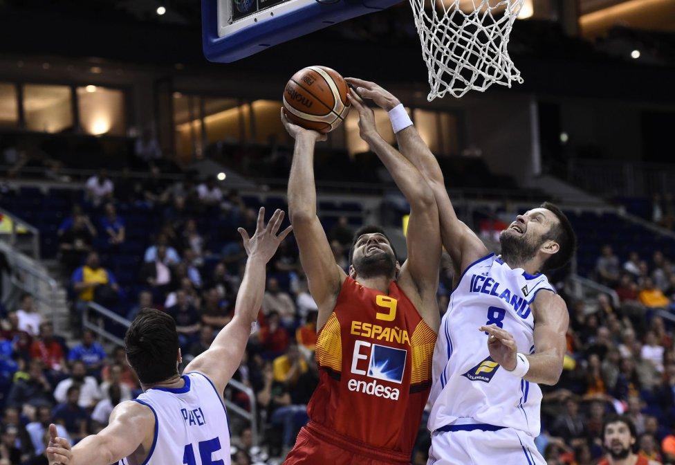 España se la jugará en la última jornada ante el anfitrión
